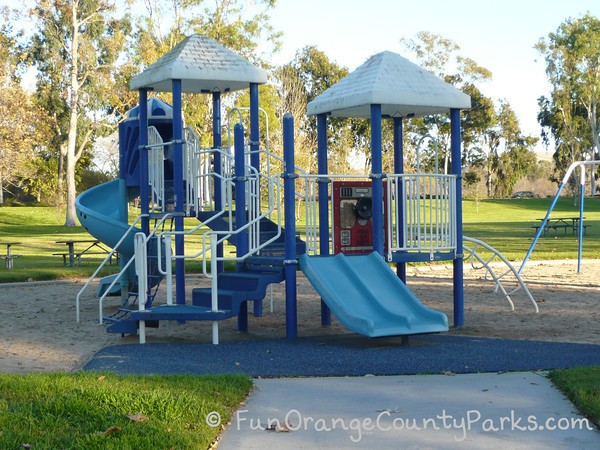 mason regional park irvine - blue play equipment
