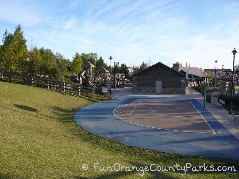Pioneer Road Park Tustin basketball court