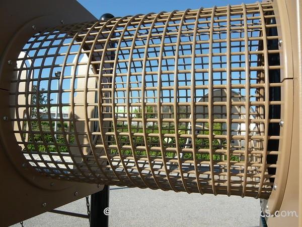 settlers park irvine mesh crawling tunnel
