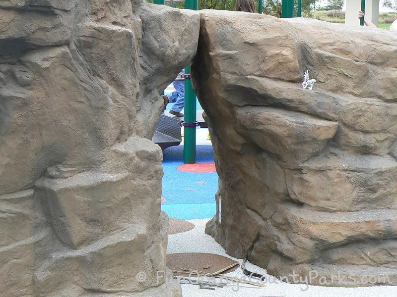 coastal peak park newport beach - rock tunnel