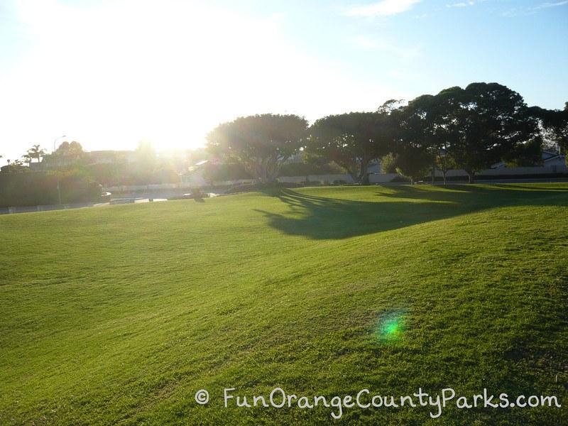 spyglass hill newport beach - grassy area