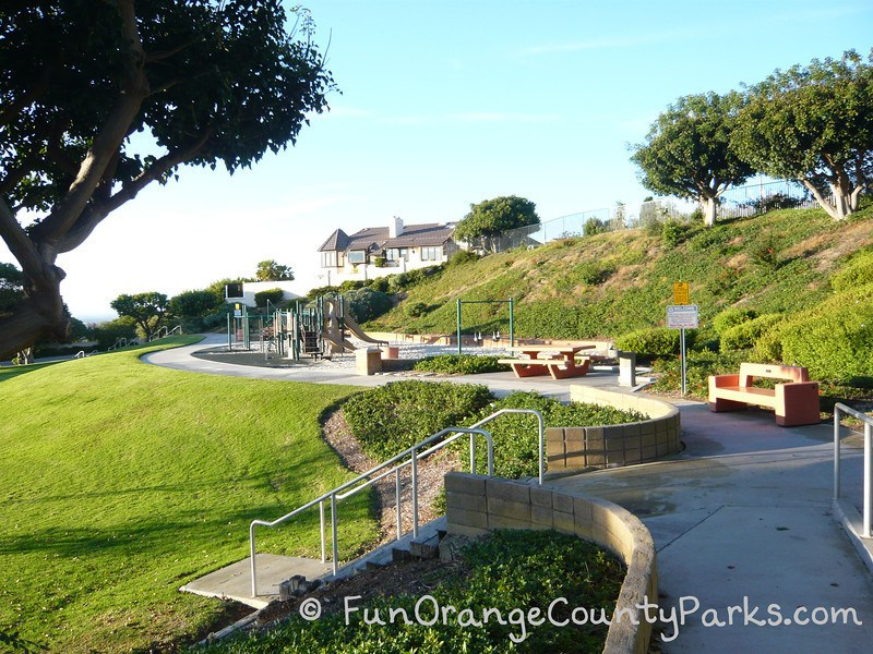 spyglass hill park newport beach - playground area with benches