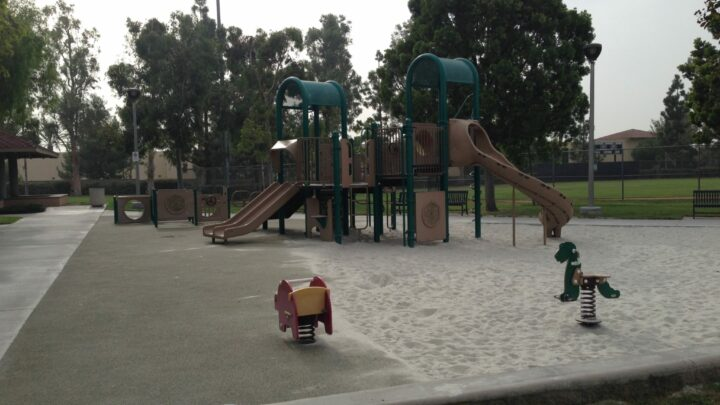 Hicks Canyon Park in Irvine for Play and to Walk Hicks Canyon Trail