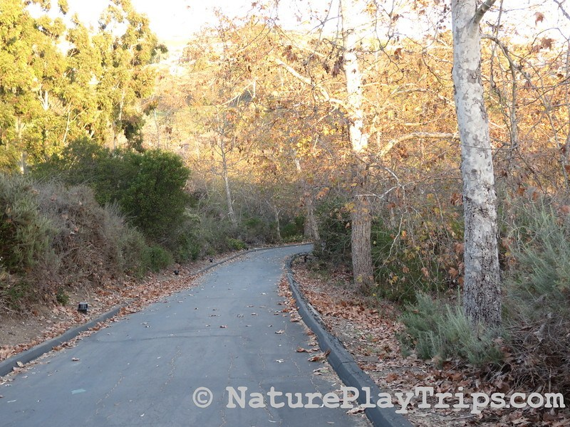 Crystal Cove Historic District via Los Trancos - walkway from parking lot to historic district