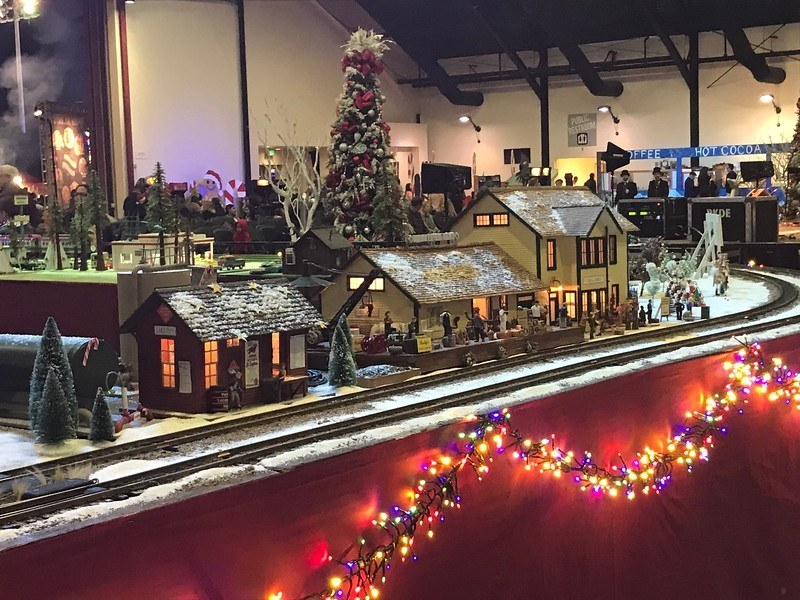 winterfest oc model train track