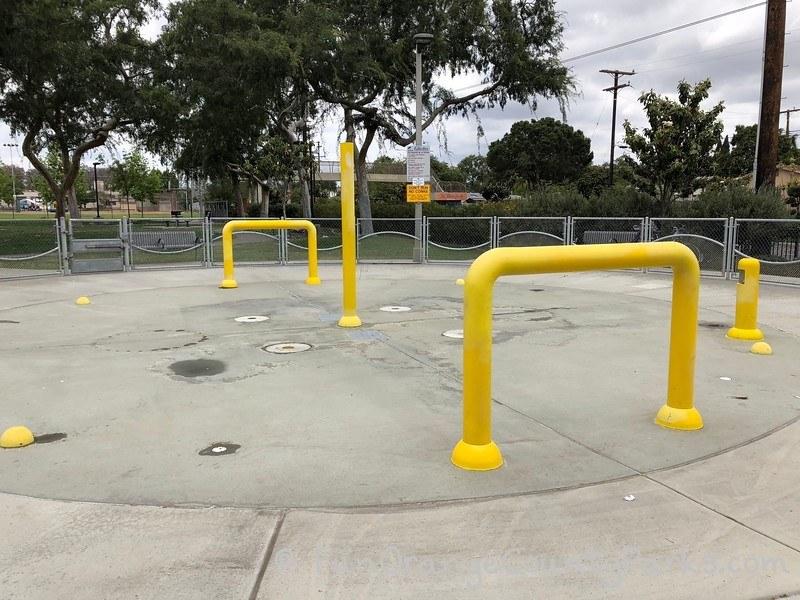 lemon park spray pool fullerton