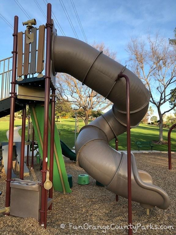 twisty tunnel slide